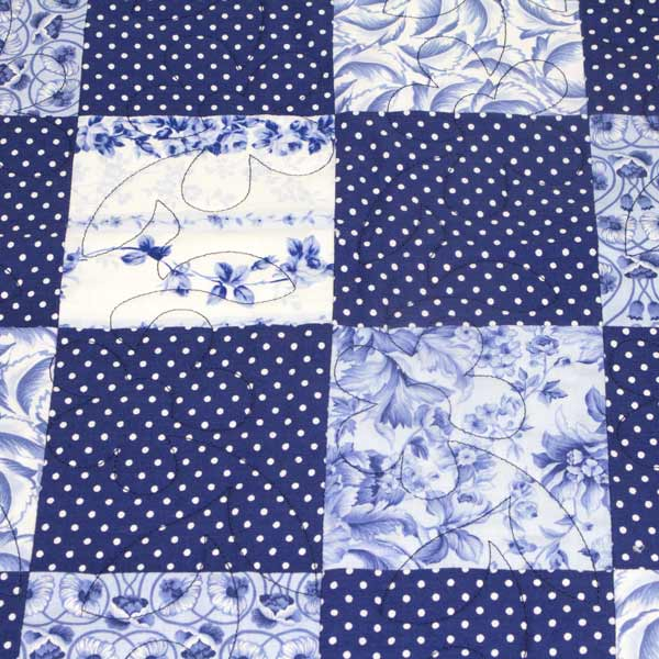 China Blue Patchwork Quilt Runny Babbits