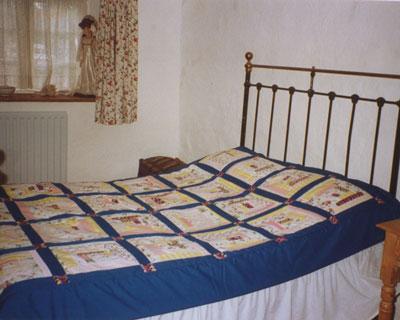 Blue log cabin quilt