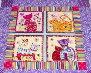 Coolest-Cats-in-Town-patchwork-cot-quilt-centre-detail-Q000115