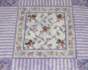 Lilac-Haze-patchwork-quilt-centre-detail-Q000107