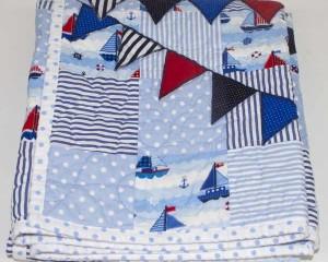 Regatta-patchwork-quilt-folded-Q000116
