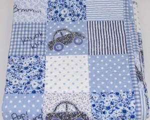 Riding-in-My-Car-patchwork-cot-quilt-folded-Q000102