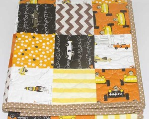 The-Great-Race-patchwork-quilt-folded-Q000103