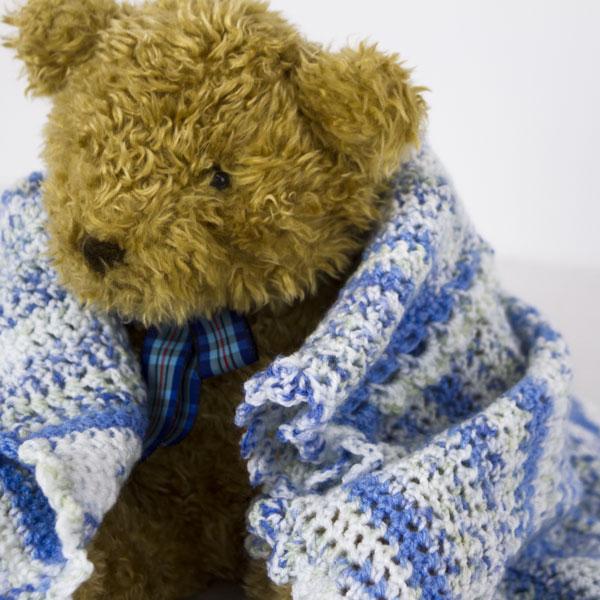 Crochet-Blanket-Blue-variegated