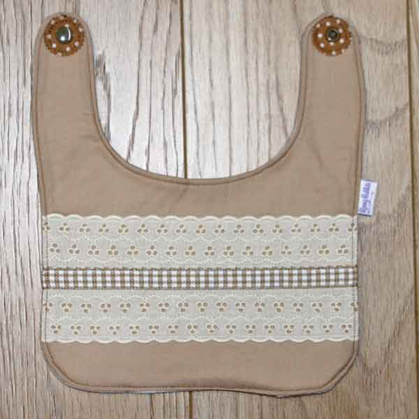 BB034 Coffee and Cream traditional bib