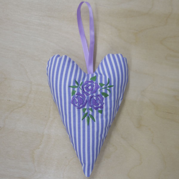 Lilac Rose Trio heart front